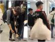 """Khách thử đồ """"lộ thiên"""", chen chúc ngày đầu Zara Hà Nội mở cửa"""