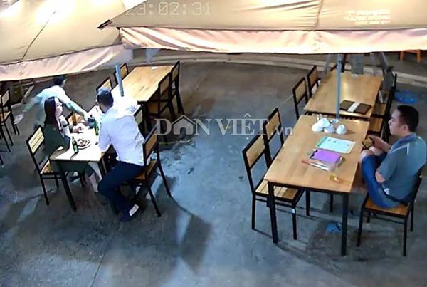 Clip:Khách nước ngoài bị cướp ngay tại bàn ăn ở khu du lịch Hạ Long - 1