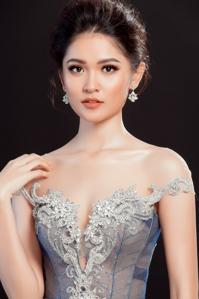 """Lộ váy dạ hội """"đụng hàng"""" Huyền My của Thùy Dung tại HH Quốc tế - 5"""