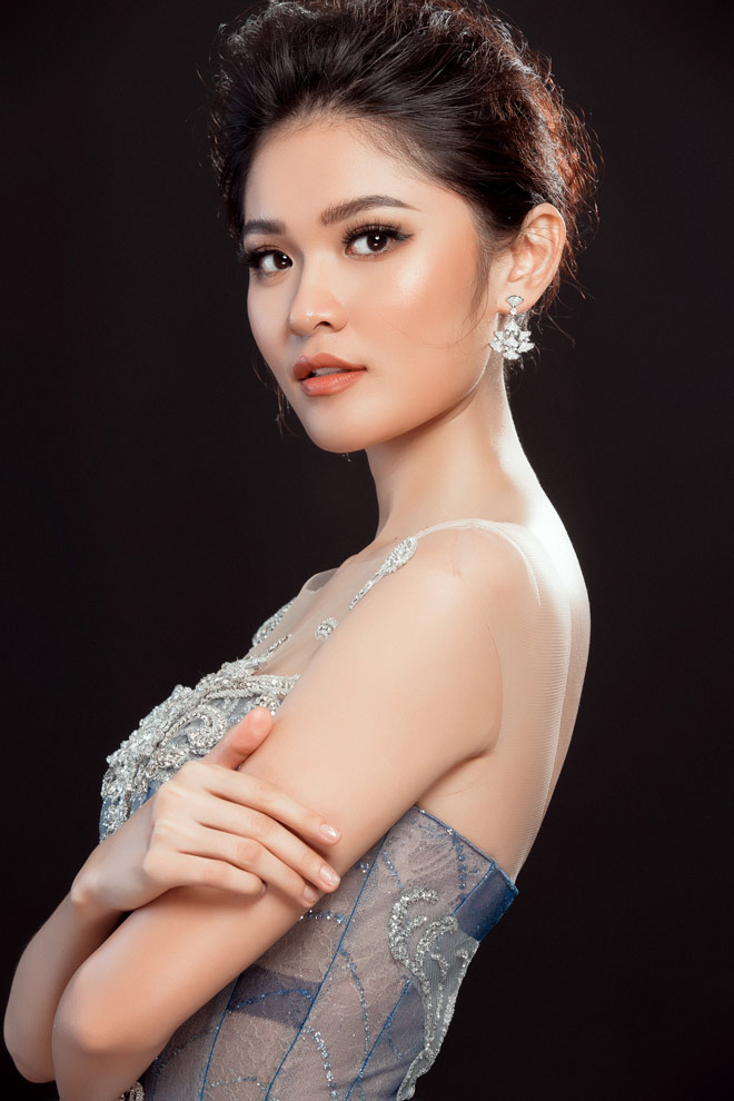 """Lộ váy dạ hội """"đụng hàng"""" Huyền My của Thùy Dung tại HH Quốc tế - 6"""