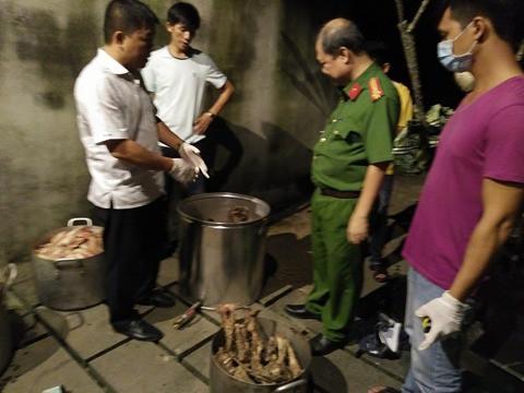 Nổ súng bắt nhóm người nấu cao hổ - 1