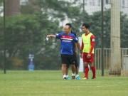 HLV Park Hang Seo lệnh Công Phượng tập bài tủ của MU - Mourinho