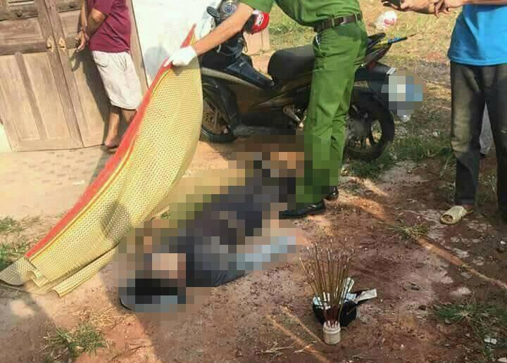 Hé lộ nguyên nhân thanh niên chết cạnh xe máy gây xôn xao - 1