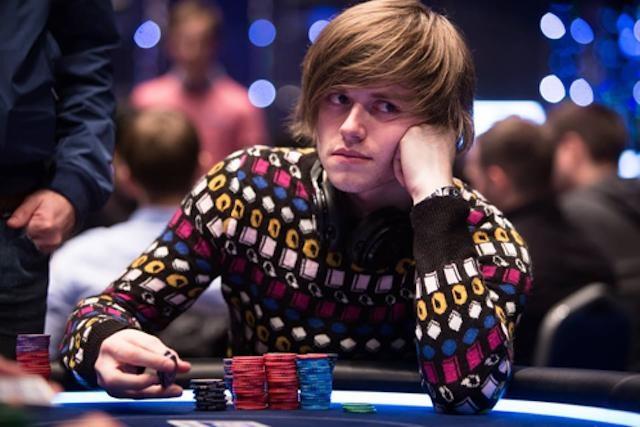 Thiên tài số học kiếm 22,3 tỷ/năm nhờ chơi bài Poker - 1