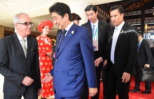Bất ngờ bữa ăn trưa của Thủ tướng Nhật Bản Shinzo Abe tại APEC - 1
