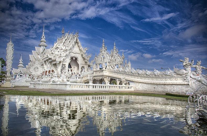 Khám phá ngôi đền trắng kỳ dị ở Thái Lan - 1
