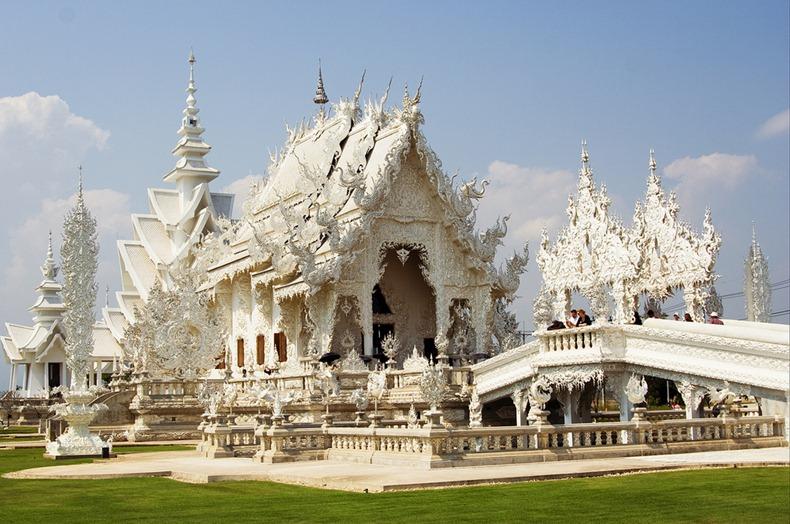 Khám phá ngôi đền trắng kỳ dị ở Thái Lan - 5
