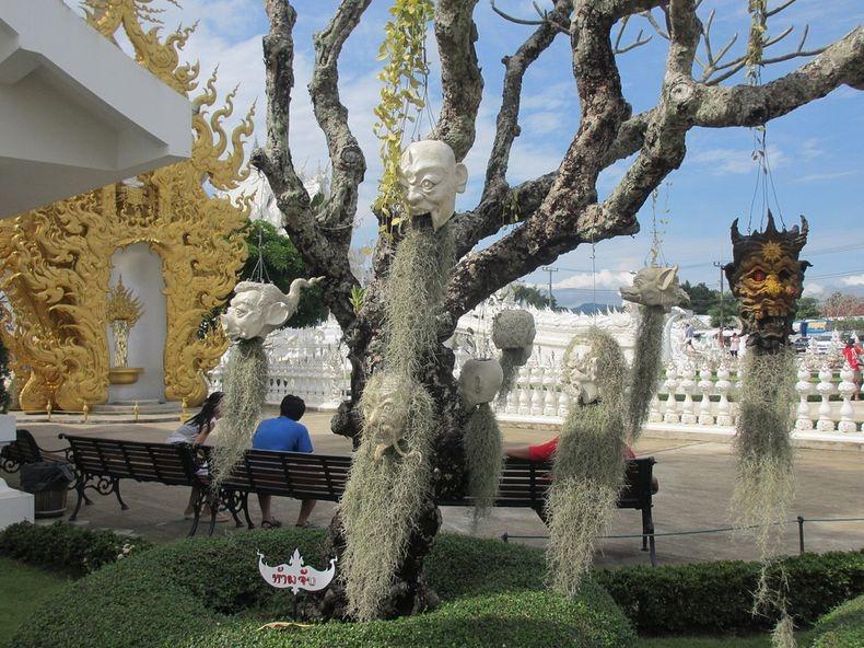 Khám phá ngôi đền trắng kỳ dị ở Thái Lan - 8