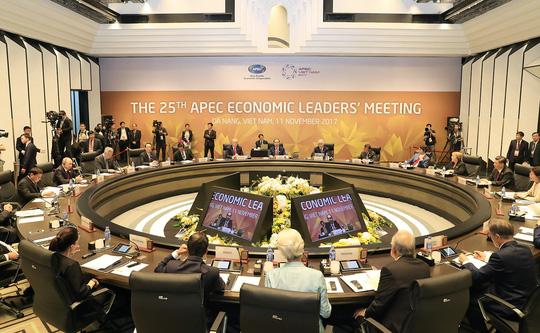 """Nóng trong tuần: 20 nhà lãnh đạo thế giới cùng dàn chuyên cơ, """"quái thú"""" xuất hiện ở Đà Nẵng - 2"""