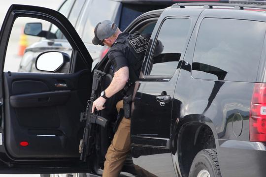 Công việc thầm lặng của đội chống bắn tỉa, mật vụ Mỹ - 9