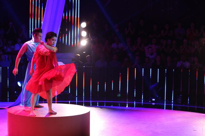 Bà mẹ một con đăng quang Quán quân Bước nhảy ngàn cân 2017 - 8