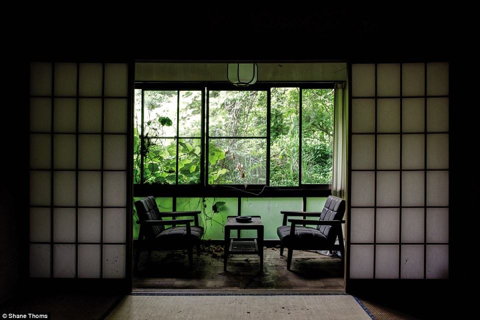 Ám ảnh những công trình bỏ hoang phía sau một Nhật Bản hiện đại - 12