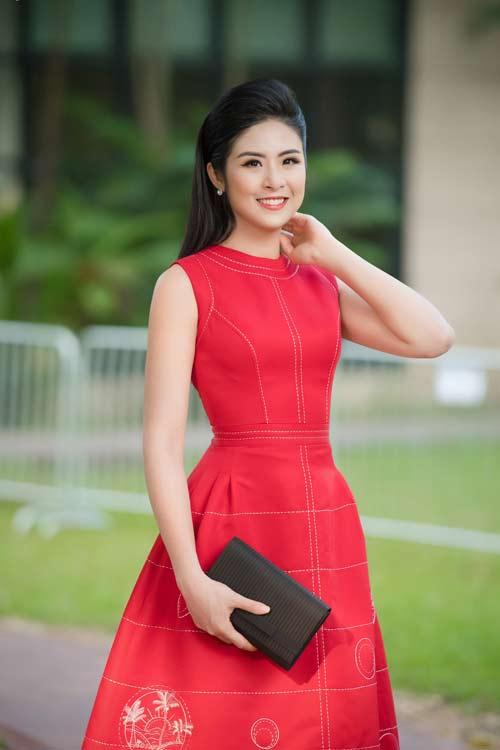 Hồng Quế đẹp mặn mà với váy trễ nải, Quỳnh Nga táo bạo diện đầm mỏng manh - 9