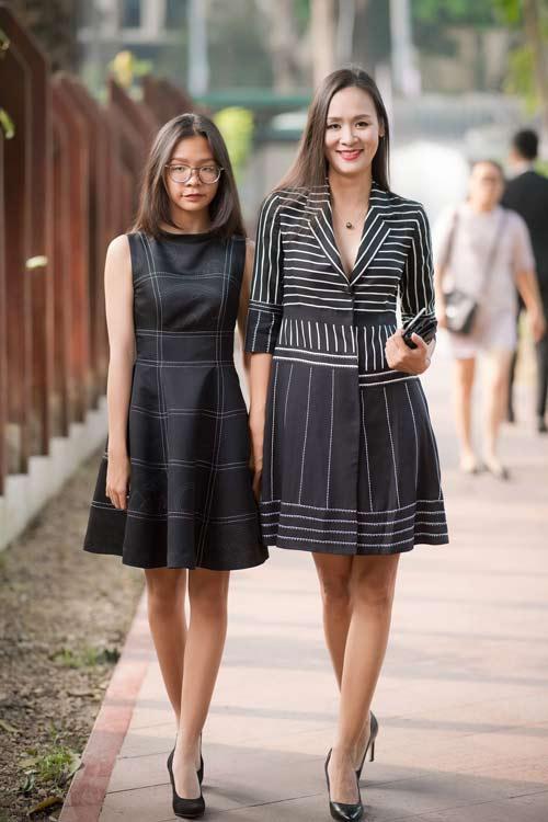 Hồng Quế đẹp mặn mà với váy trễ nải, Quỳnh Nga táo bạo diện đầm mỏng manh - 6