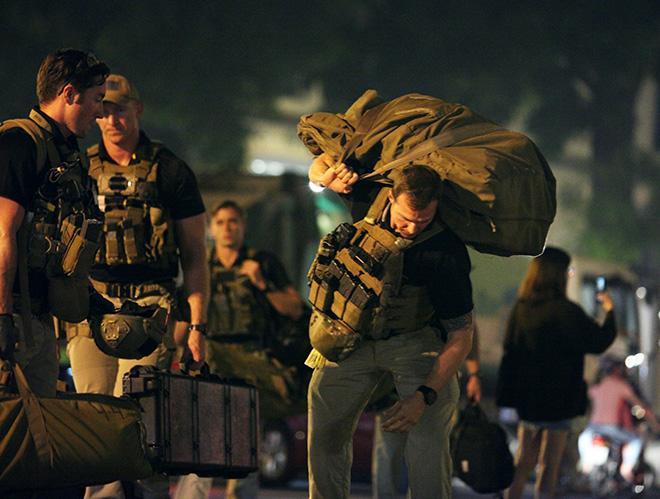 Chi tiết dàn mật vụ Mỹ đầy cơ bắp xách vũ khí bảo vệ ông Trump ở VN - 5