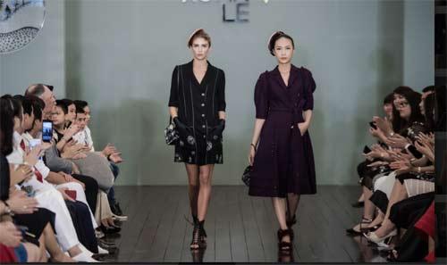 Thanh Mai U50 vẫn đẹp như tiên với váy trăm triệu đính ngàn viên pha lê - 14