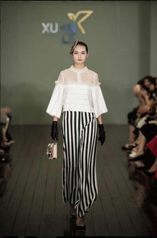 Thanh Mai U50 vẫn đẹp như tiên với váy trăm triệu đính ngàn viên pha lê - 7