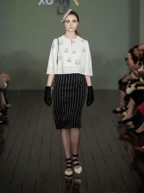 Thanh Mai U50 vẫn đẹp như tiên với váy trăm triệu đính ngàn viên pha lê - 9