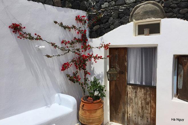 """Santorini - Những điều nhất định phải biết về """"hòn đảo của các thiên thần"""" - 9"""