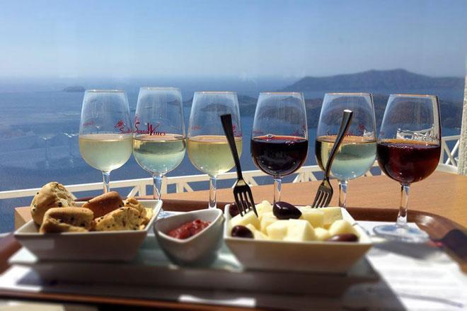 """Santorini - Những điều nhất định phải biết về """"hòn đảo của các thiên thần"""" - 38"""