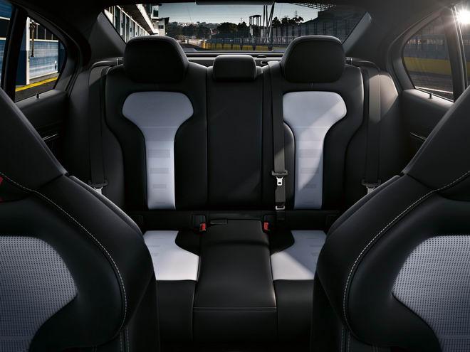BMW M3 CS: Sedan hiệu suất cao đặc biệt - 4