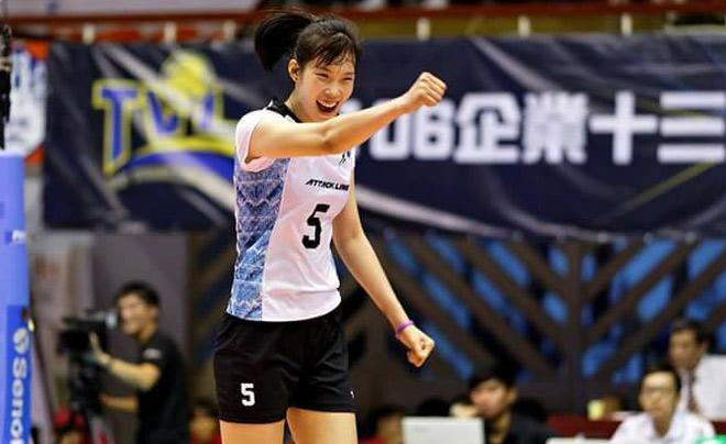 """Bóng chuyền: Thanh Thúy 20 tuổi 1m93, ghi 40 điểm """"hủy diệt"""" đối thủ - 1"""