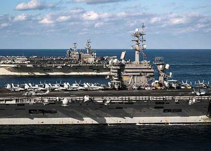 Cận cảnh cuộc tập trận hiếm của 3 tàu sân bay Mỹ - 10