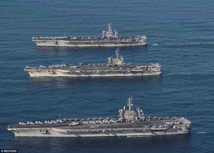 Cận cảnh cuộc tập trận hiếm của 3 tàu sân bay Mỹ - 1