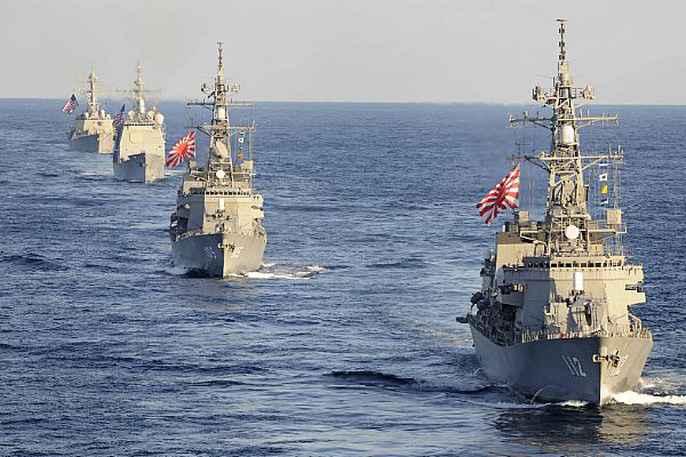 Cận cảnh cuộc tập trận hiếm của 3 tàu sân bay Mỹ - 4