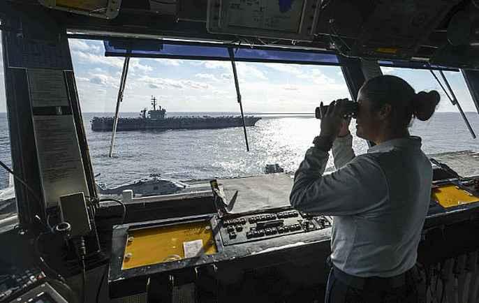Cận cảnh cuộc tập trận hiếm của 3 tàu sân bay Mỹ - 6