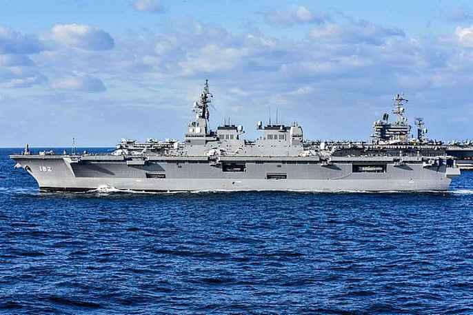 Cận cảnh cuộc tập trận hiếm của 3 tàu sân bay Mỹ - 8