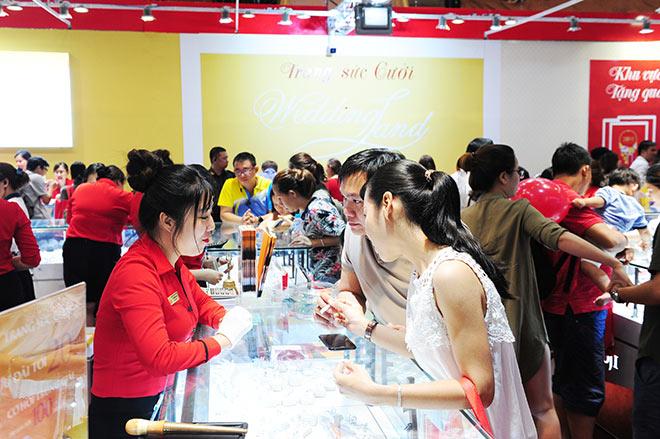 Giải mã sức hút của Trang sức DOJI tại các kì Hội chợ Quốc tế Trang sức Việt Nam - 3