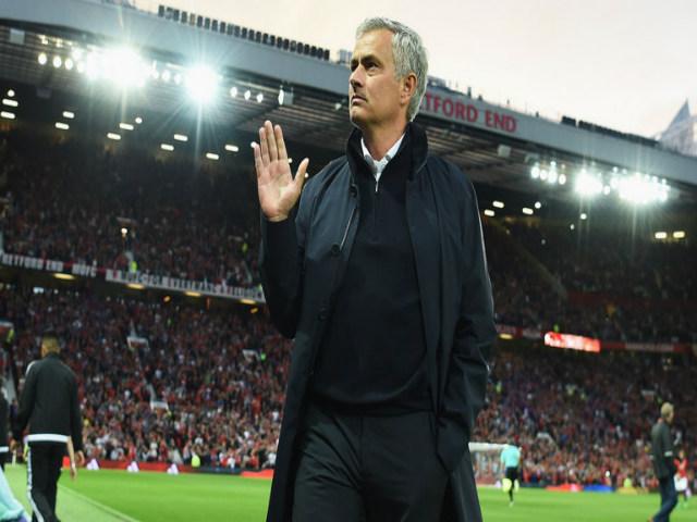 """MU & """"Pháo đài"""" Old Trafford: 38 trận bất bại & điềm báo của nhà vô địch - 2"""
