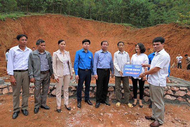 Vinamilk hỗ trợ 3 tỷ đồng cho người dân vùng lũ - 2