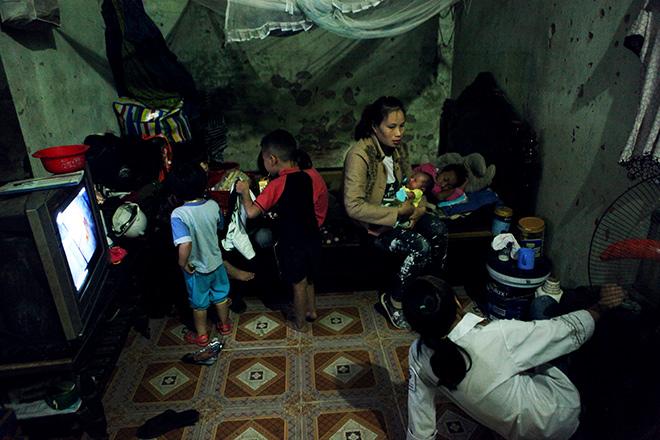 Khó tin: Người phụ nữ 29 tuổi sinh 8 người con ở Hà Nội - 2