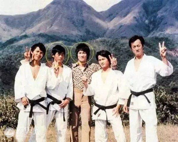 """Số phận đặc biệt của 9 ngôi sao chuyên """"làm nền"""" nổi tiếng nhất Hong Kong - 9"""