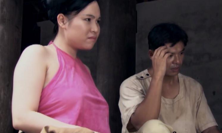 Mỹ nữ hớ hênh, không mặc nội y lên phim gây sóng gió màn ảnh Việt - 1