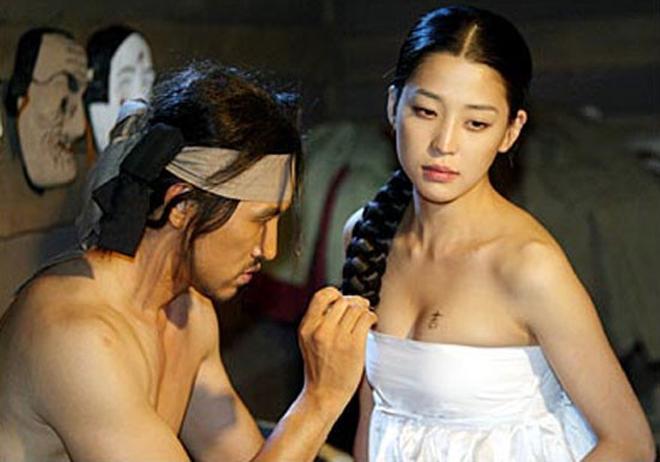 Phim Hàn cũng gây tranh cãi vì hanbok hở nửa ngực - 3