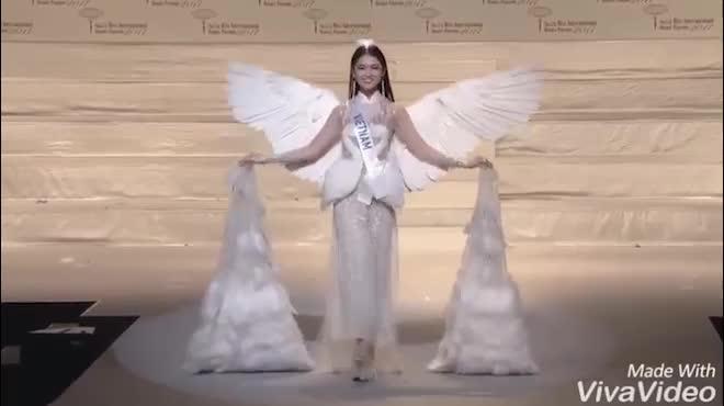 Thùy Dung trượt top 15 HH Quốc tế, thất bại trước người đẹp Lào, Thái Lan