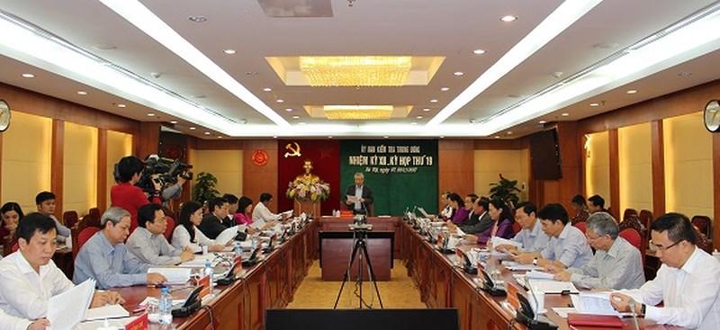 Nóng 24h qua: Ủy ban Kiểm tra Trung ương kỷ luật nhiều cán bộ cấp cao - 1