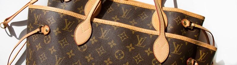 Choáng với bồn cầu 2,2 tỉ làm từ túi Louis Vuitton - 1