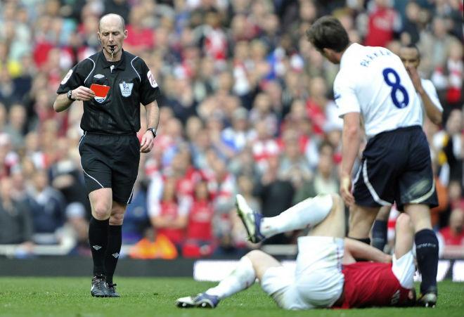 """Tin HOT bóng đá tối 14/11: """"Vua thẻ phạt"""" bắt trận Arsenal – Tottenham - 1"""