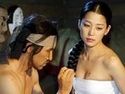 Phim - Phim Hàn cũng gây tranh cãi vì hanbok hở nửa ngực