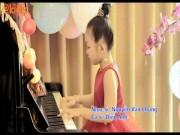 """Bé 5 tuổi đoạt hai giải quốc tế xuất hiện trong MV của tác giả """"Nhật ký của mẹ"""""""