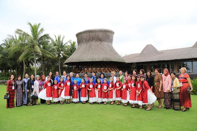 Naman Retreat chứng kiến cuộc gặp lịch sử giữa các đệ nhất phu nhân dự APEC - 1