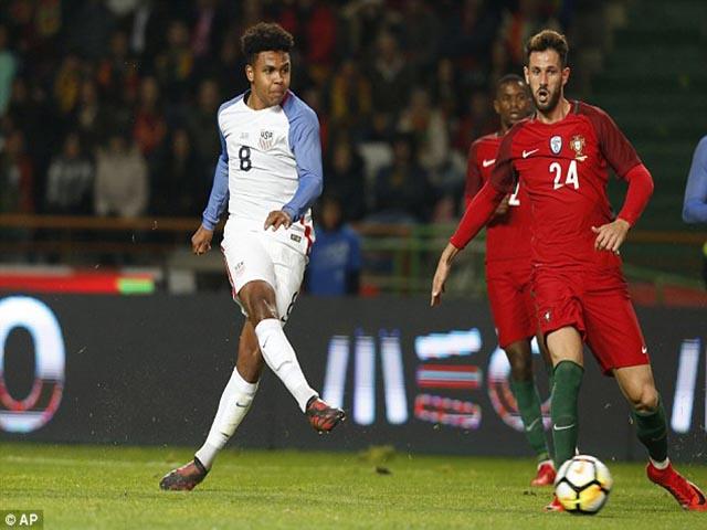 """Bồ Đào Nha - Mỹ: Ronaldo """"ẩn mình"""", cả gan vuốt râu hùm"""