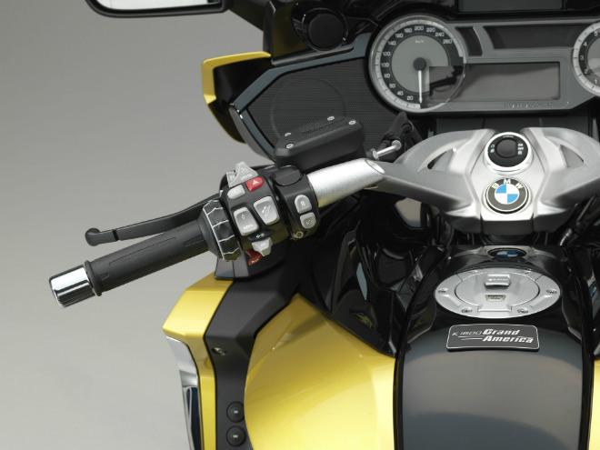 2018 BMW K1600 Grand America: Chuyên cơ cho phái mạnh - 6