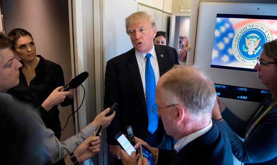 Ông Trump kết thúc công du châu Á, đem về cho Mỹ 300 tỷ USD - 2