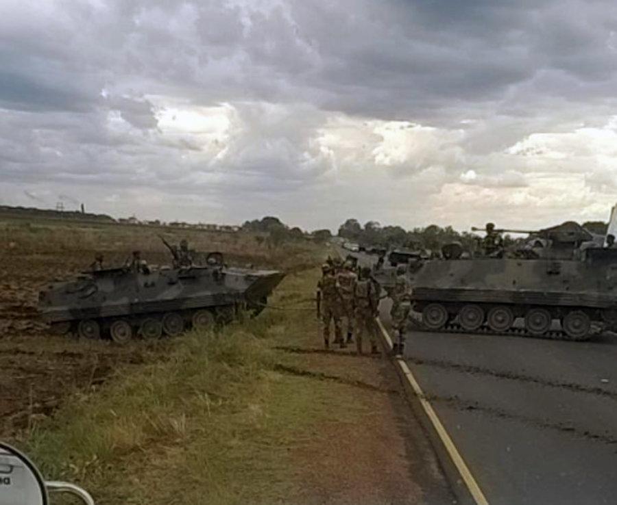 Nổ lớn ở thủ đô Zimbabwe, quân đội chiếm đài truyền hình quốc gia - 3