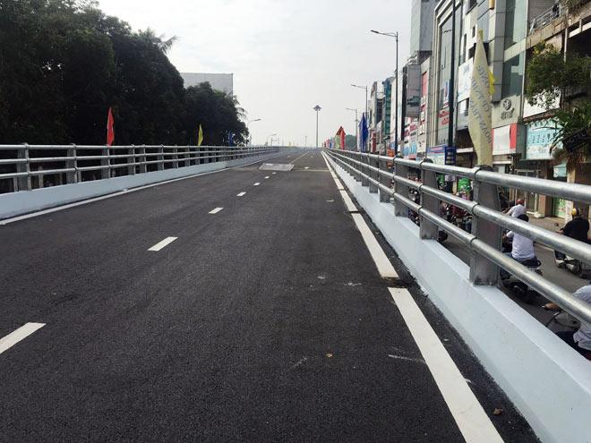 """Người SG như """"hóa điên"""" vì kẹt xe tại công trình cầu vượt trước giờ G - 11"""